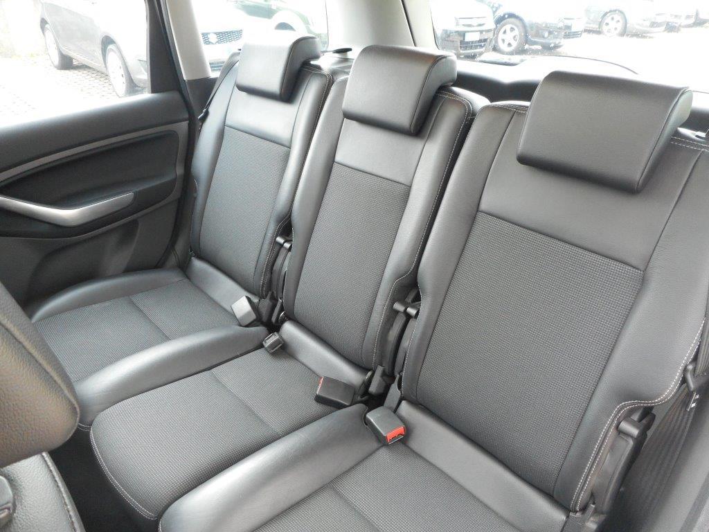 Ford C-Max Titanium